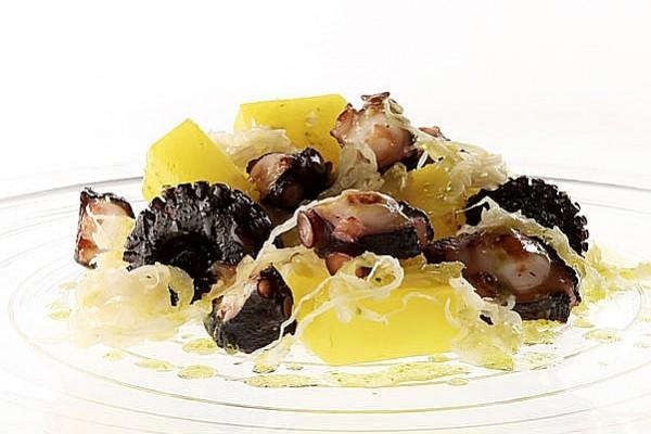 Insalata Di Polpo Piastrato E Patate Allo Zafferano Su Letto Di Crauti E Olio Al Basilico | Zuccato
